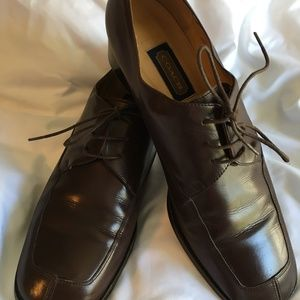 Timeless Coach Dk Brown Leather Lace Up Shoes 8.5